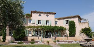 Large houses long term rentals France